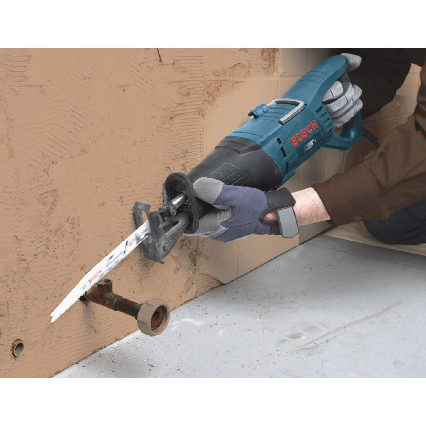 Bosch 11-Amp Reciprocating Saw Kit Image 3